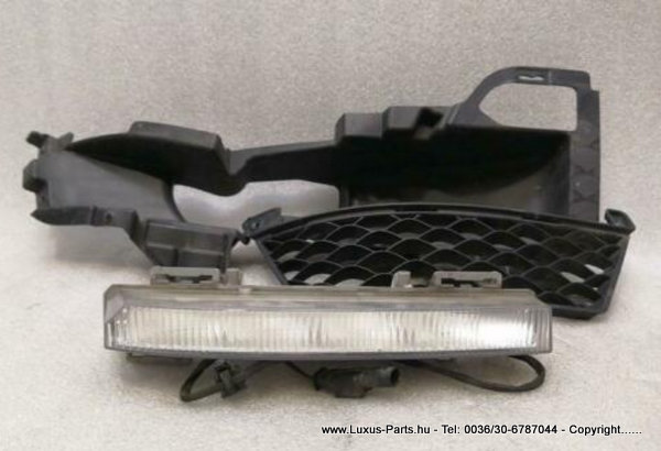 MERCEDES C63 AMG MOPF LIFT W204 Right LED +GRILEL A2049064902 TAGFAHRLEUCHTE SET